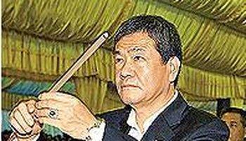 竹联帮赵尔文_人物简介 赵尔文,前竹联帮帮主(任期:2001年—2007年),绰号:\