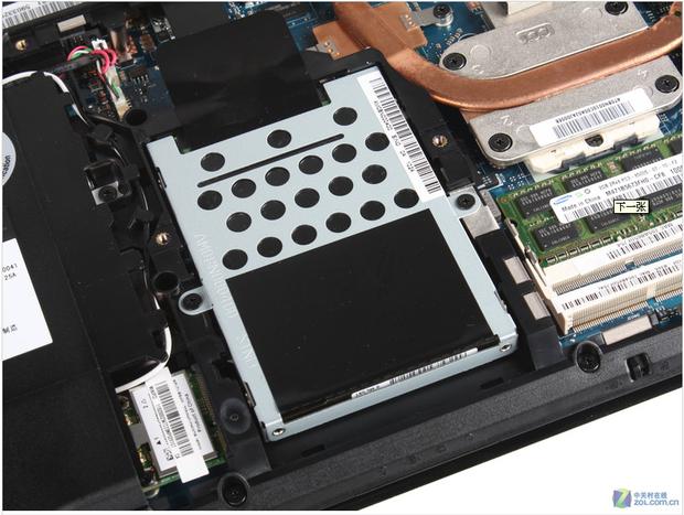 戴尔电脑主机怎么拆_怎样拆笔记本电脑后盖_戴尔笔记本拆机图解